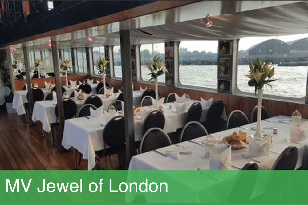 Christmas dinner on the thames